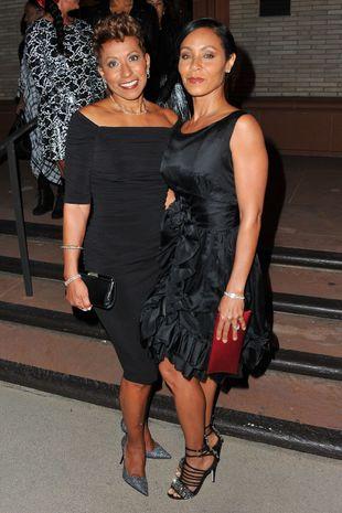 Adrienne Banfield-Jones junto a su hija Jada Pinkett Smith.