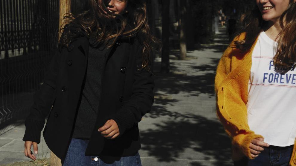 María con abrigo de lana, Bonpoint, jersey de cuello vuelto,...