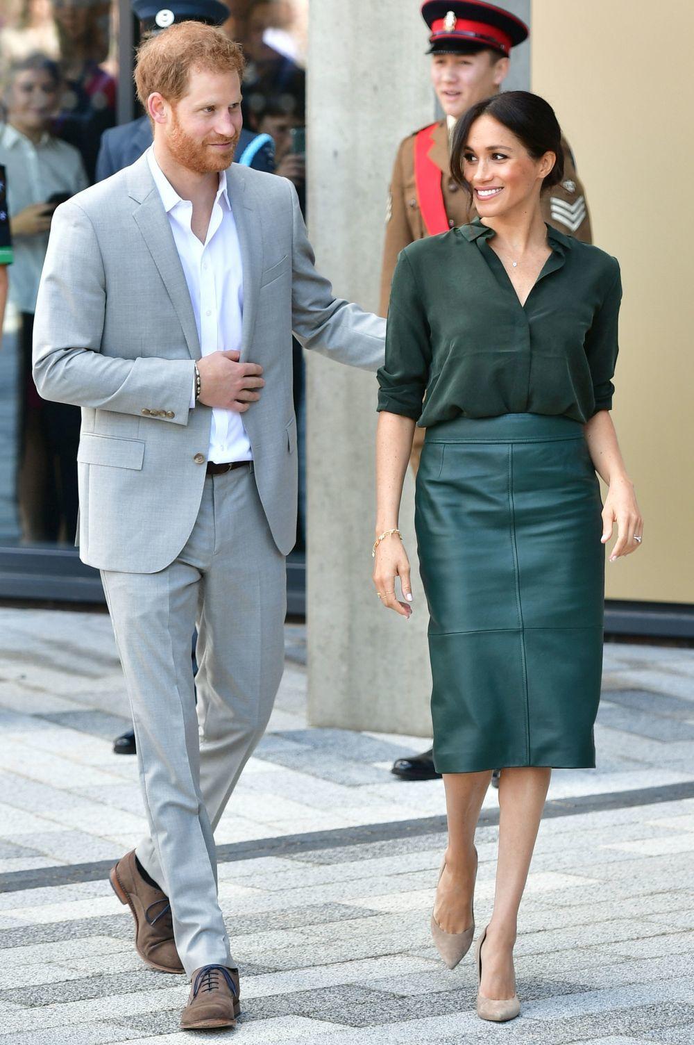 Meghan Markle y el príncipe Harry en su visita a Sussex.