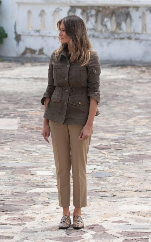 Melania Trump en el castillo de Cape Coast, en Ghana, en su gira por...