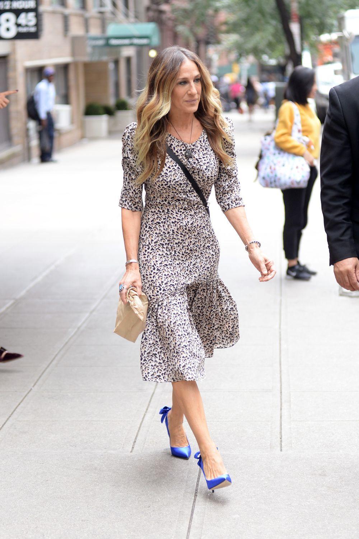 Sarah Jessica Parker paseando por Nueva York.
