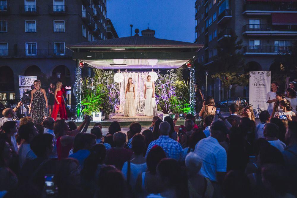 Desfile Organizado Estela Garro-Tacatuca y El Balcón de Alicia...