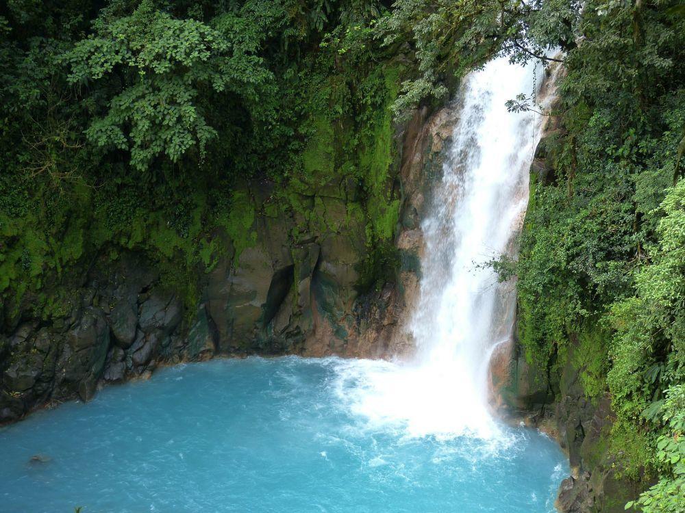 El Río Celeste en Costa Rica, famoso por el color de sus aguas.