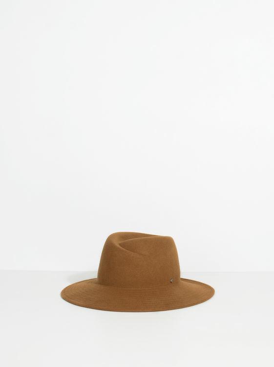 Sombrero whool de Parfois. Precio 22,99 euros.