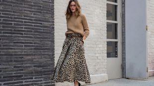 Olivia Palermo paseando durante la Semana de la Moda de Nueva York.
