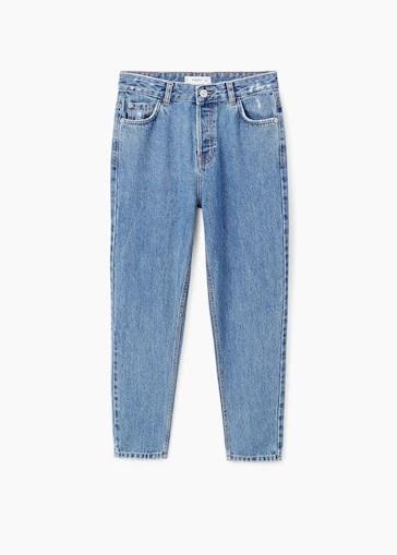 Pantalón <em>jeans</em> estilo <em>mom fit</em>, de Mango (20,99...