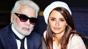 Penélope Cruz junto a Karl Lagerfeld.