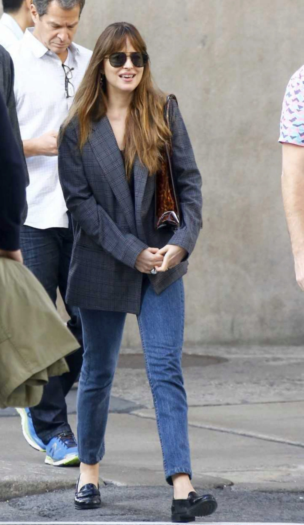 Dakota Johnson por las calles de Nueva York.