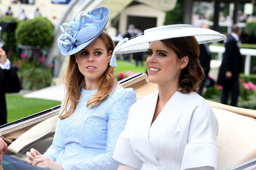 Las princesas Beatriz y Eugenia de York.