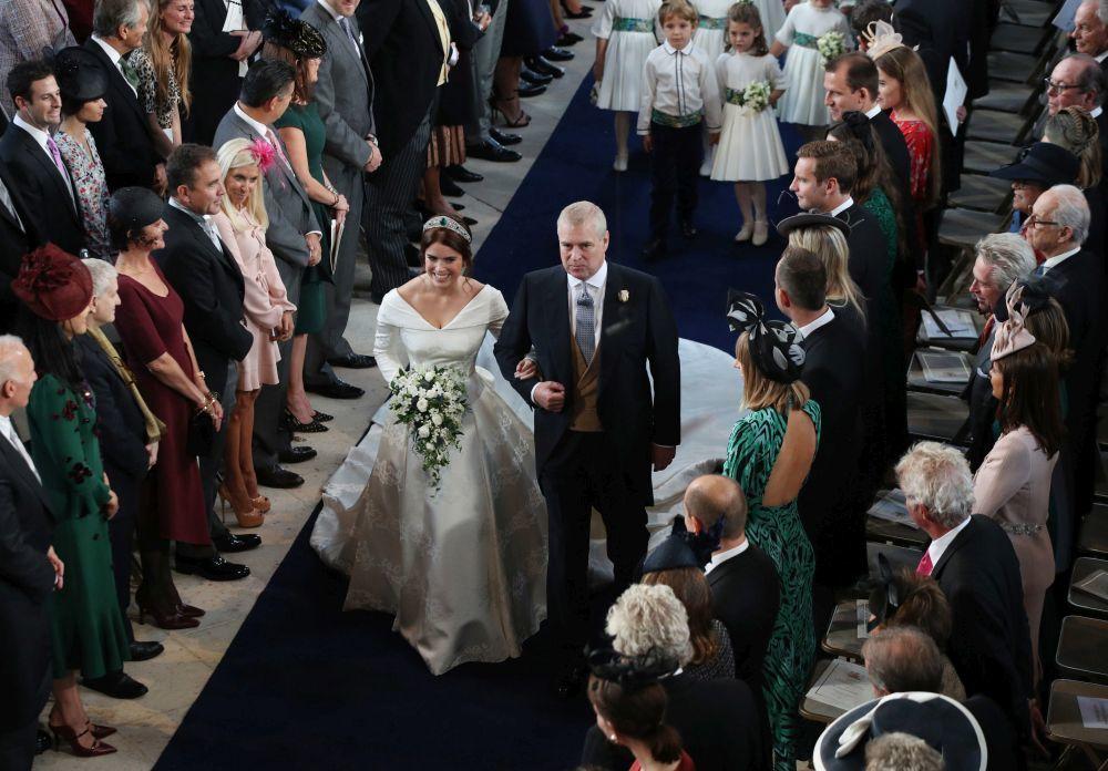 La novia en su camino al altar.