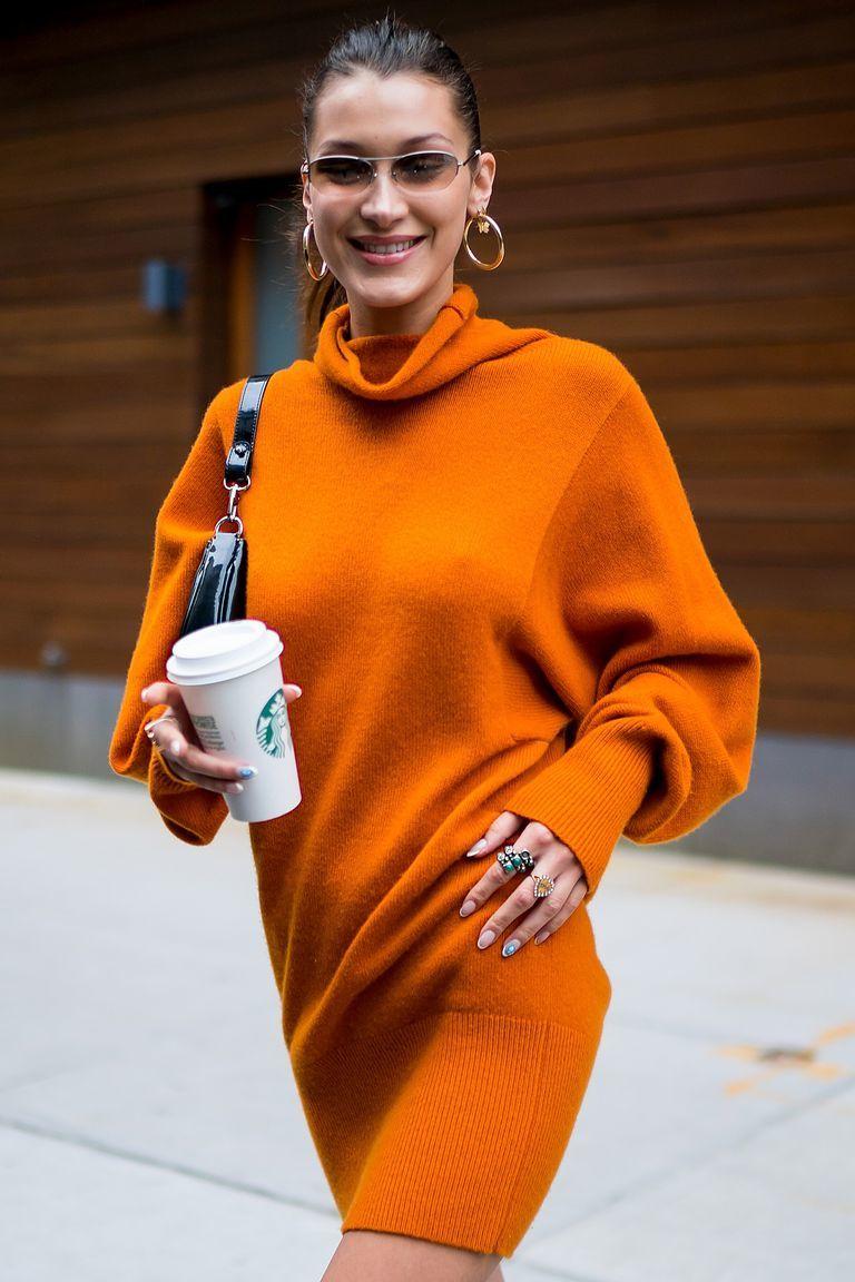 Con café en mano la modelo arrasó con este outfit