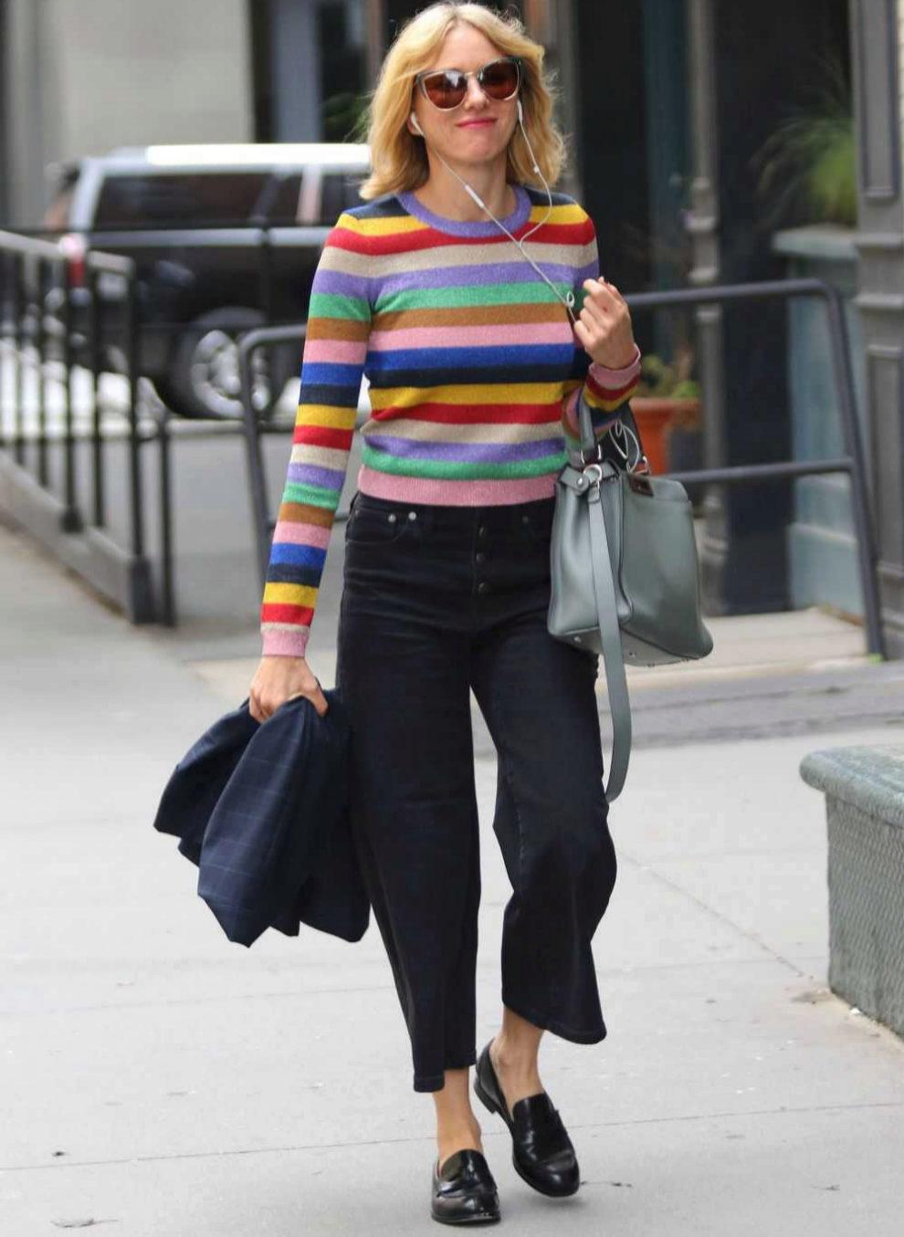 Naomi Watss paseando por las calles de Nueva York.