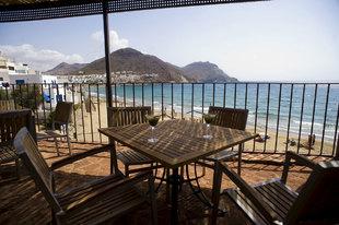 El Cabo de Gata, en Almería, visto desde la terraza del hotel Doña...