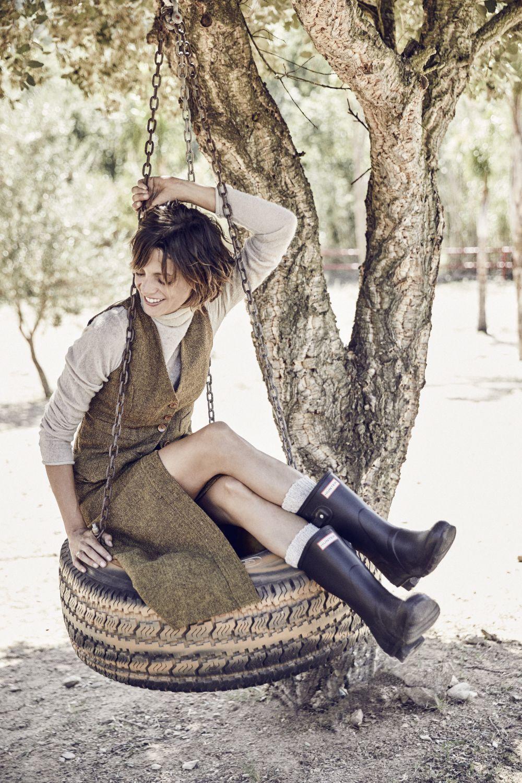 Jersey, American Vintage. Chaleco y falda tweed, Maggie Sweet. Botas,...