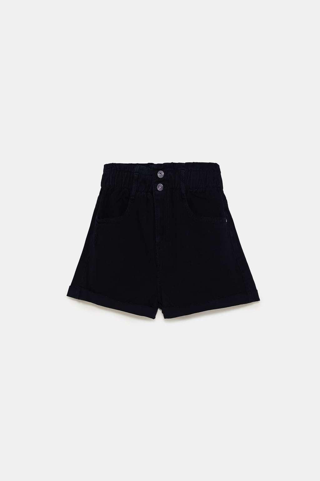 Shorts de tiro alto paper bag en negro de Zara.Precio 19,95 euros.