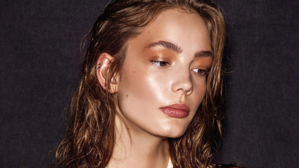 Esta base de maquillaje me pone buena cara, ilumina mi piel y con...