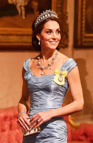 Kate Middleton con la tiara Lovers Knot Tiara.