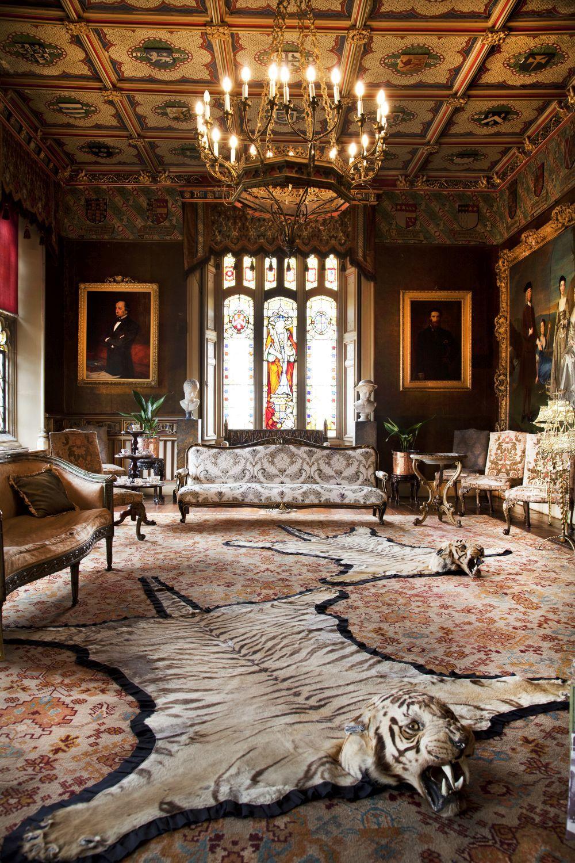 Este salón de Knebworth House aparece en varias escenas como la sala...