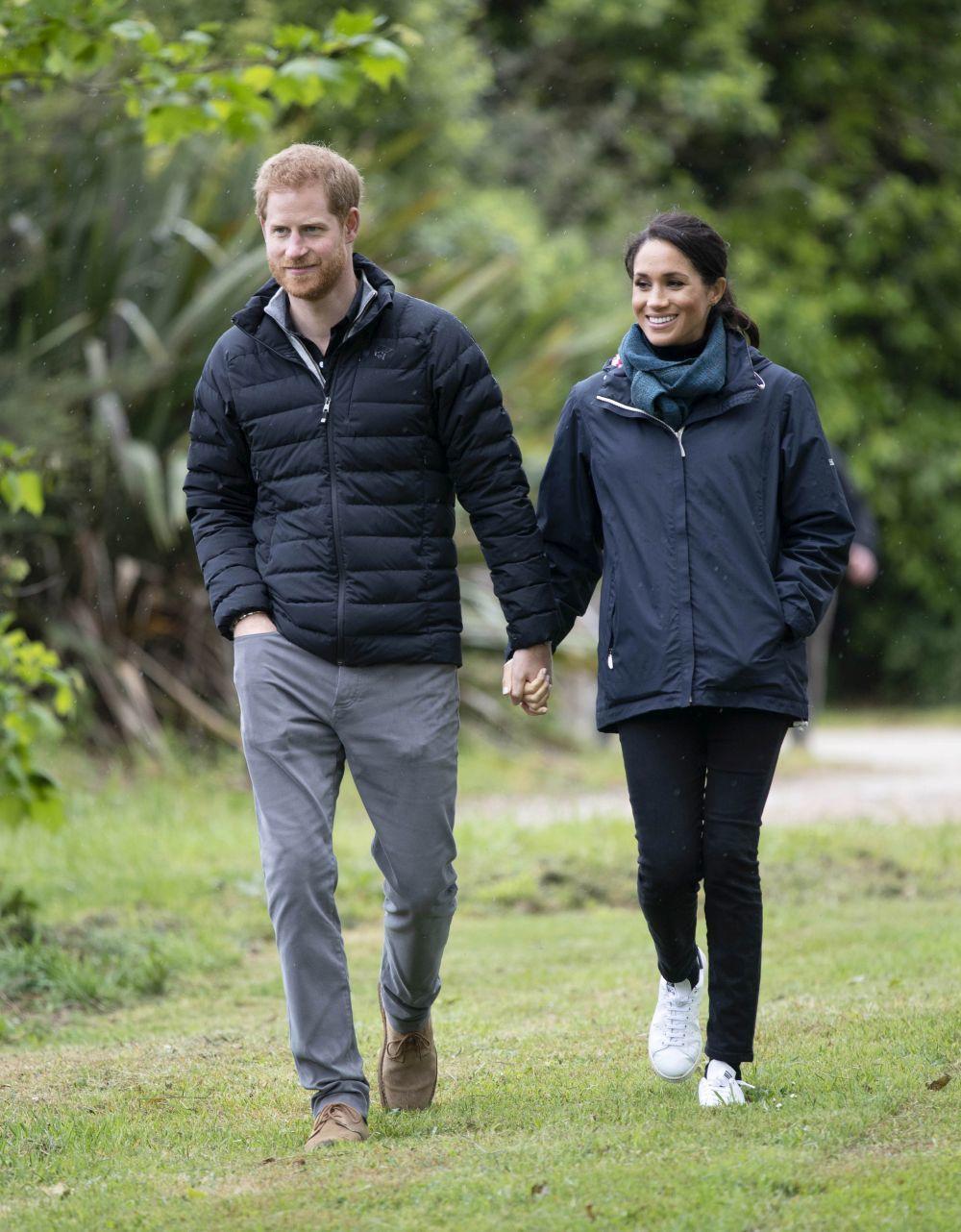 El príncipe Harry y Meghan Markle visitando el  Abel Tasman National...