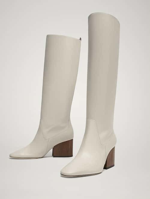 Botas de piel en blanco de Maximo Dutti.