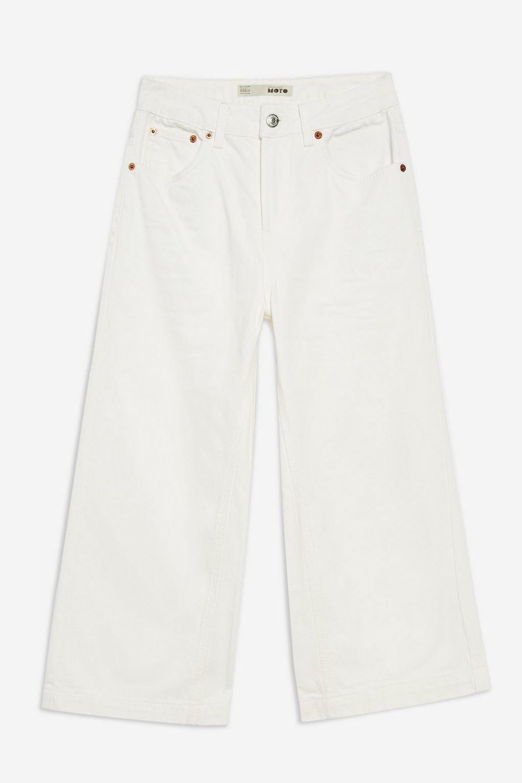 Jeans blancos de pata ancha de Topshop. Precio 20 euros.