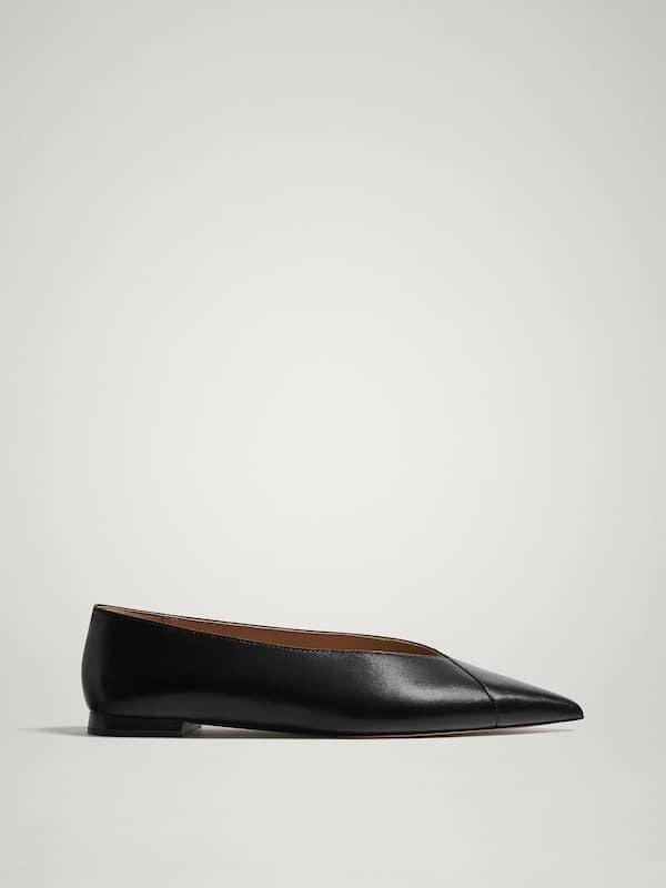 Bailarinas negras de piel, de Massimo Dutti (59,95 euros).