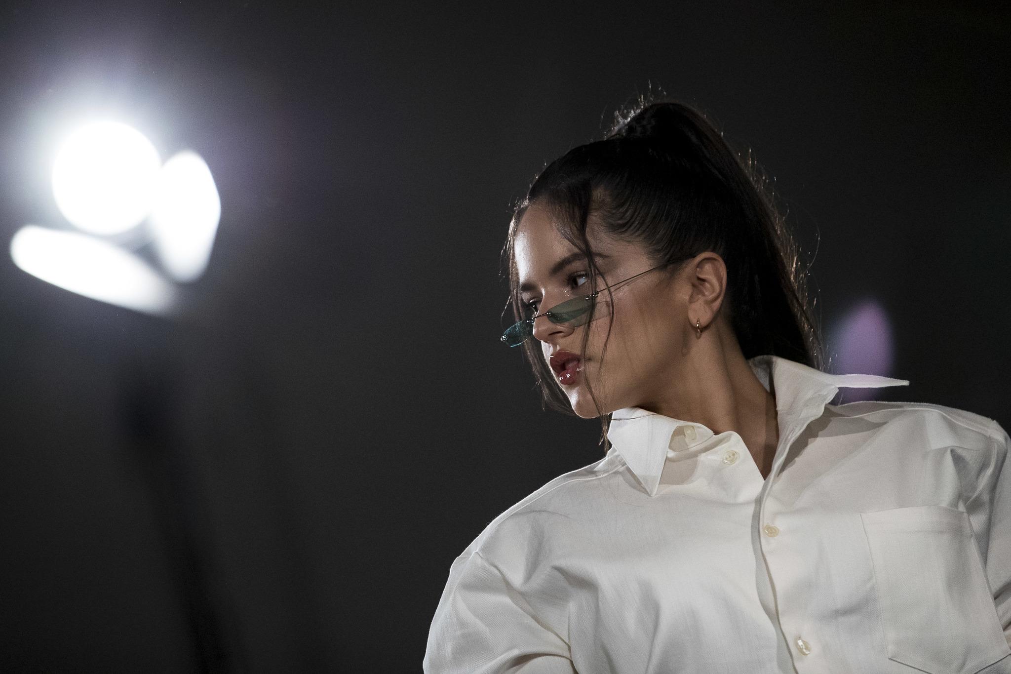 De vuelta a la tradición flamenca, Rosalía estrena 'Di mi nombre'
