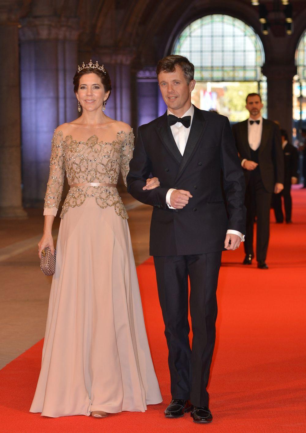 Mary de Dinamarca en la cena de gala organizada por la Casa Real...