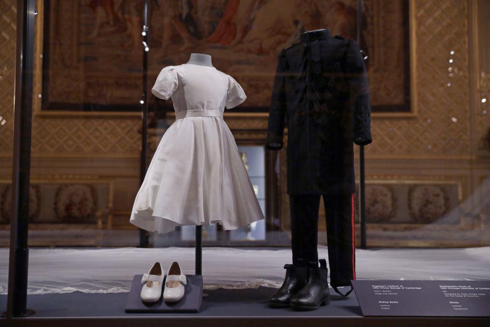 Los trajes originales que lucieron el Príncipe George y la Princesa...