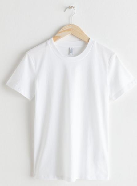 Camiseta blanca de algodón (19 euros).