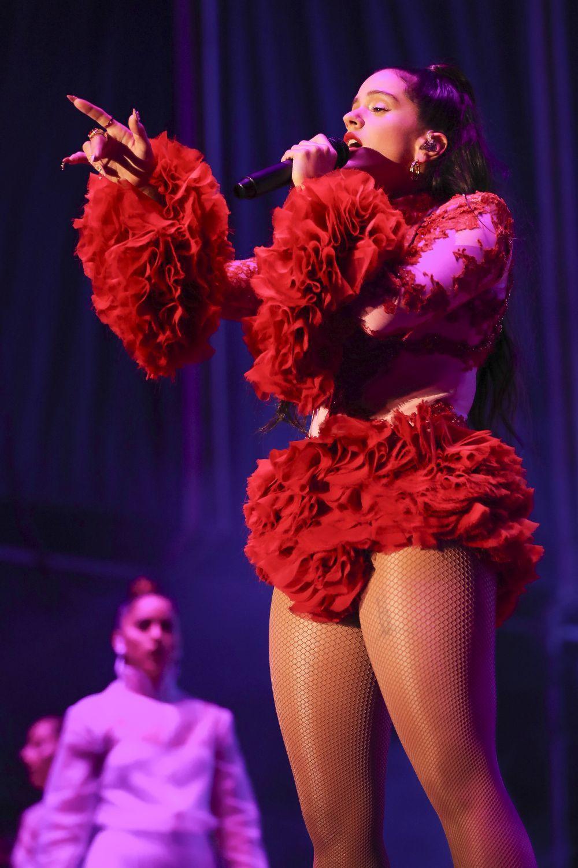 Rosalía en su concierto en la capital madrileña vestida de Palomo...