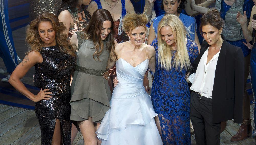 La última vez que las Spice Girls actuaron juntas fue en 2007,...