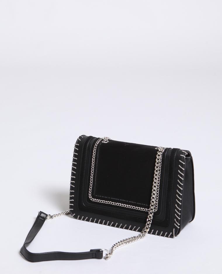 Bolso bandolera de polipiel negro de Pimkie. Precio12,99 euros.