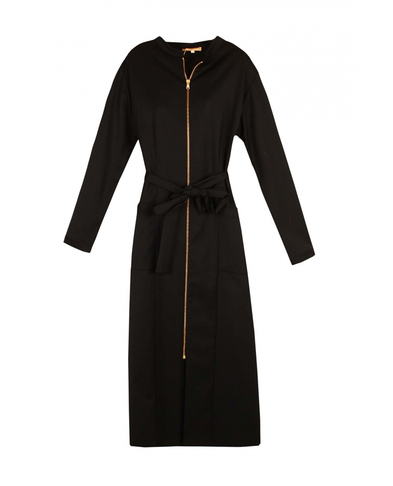 Vestido camisero negro oversize con cremallera, de Dolores Promesas...