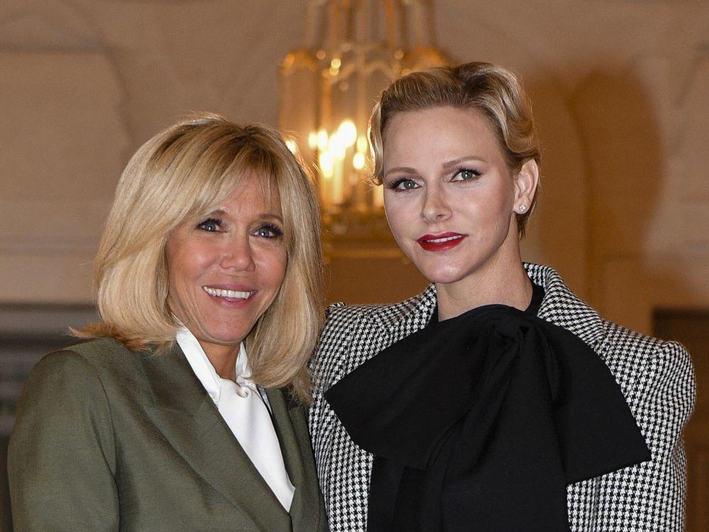 Brigitte Macron y Charlene de Mónaco en el centenario del armisticio...