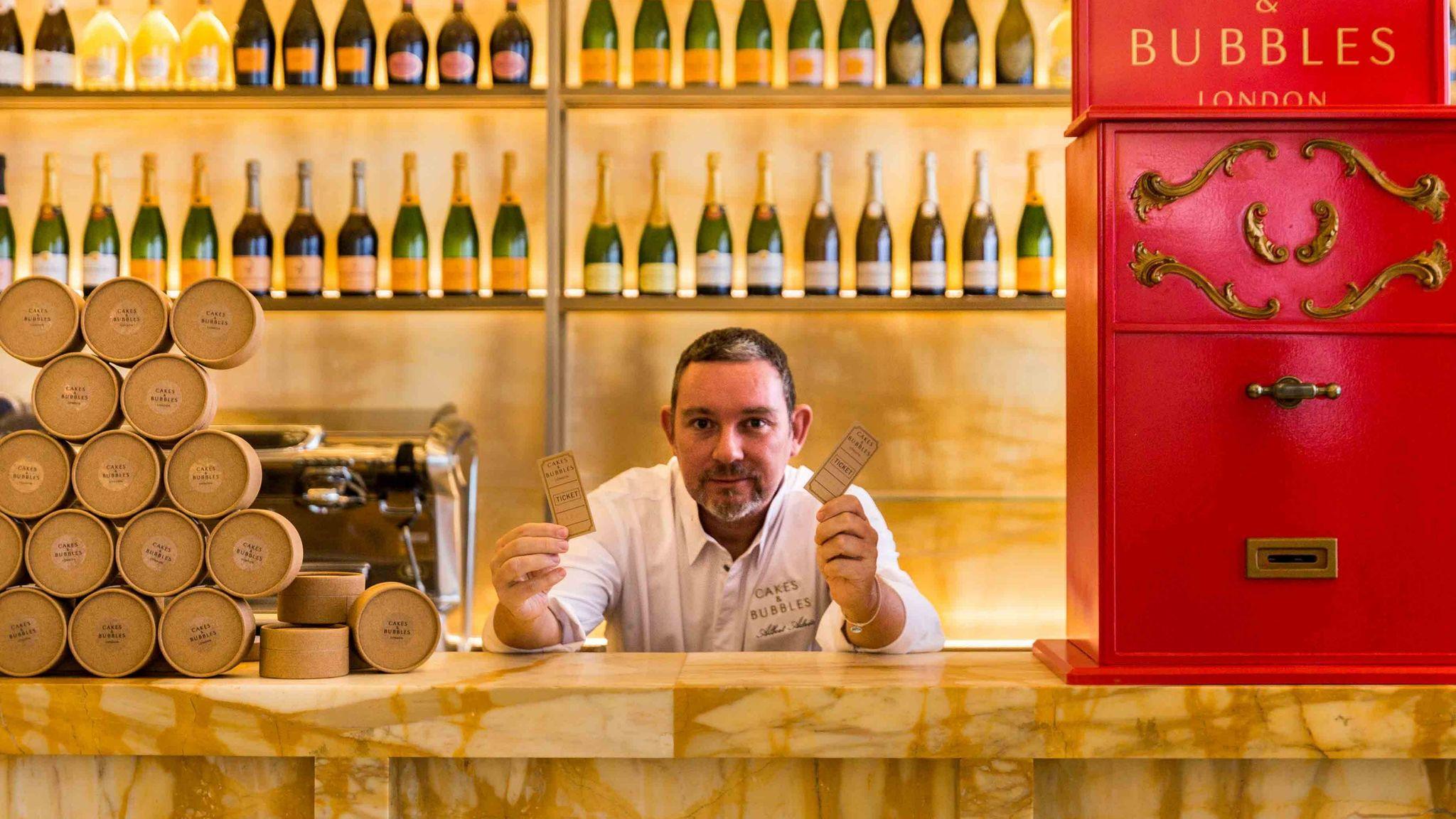 Albert Adriá en su recién inaugurado Cakes & bubbles (Londres)