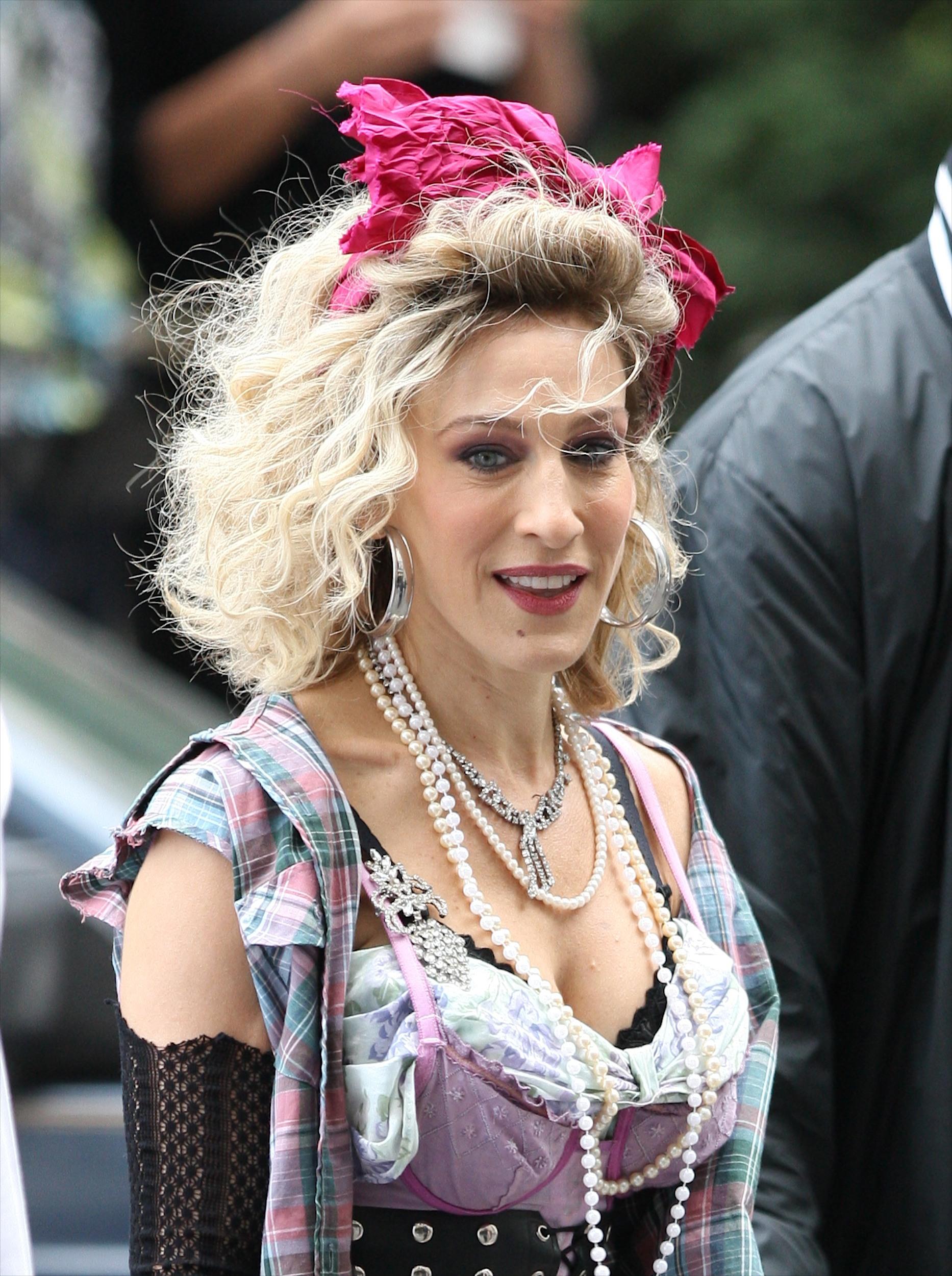 Carrie disfrazada al más puro estilo Madonna en Sex in the City