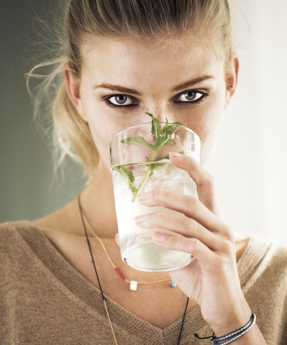 A la hora de beber agua, mejor hacerlo entre comidas pero no durante...