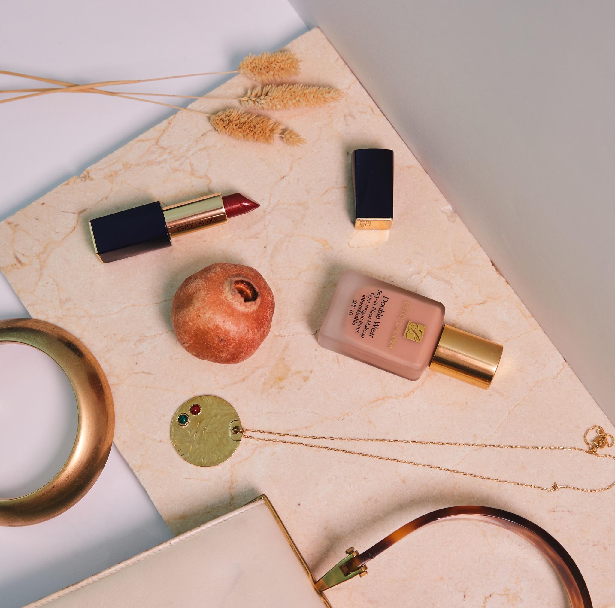 Productos de belleza de Estée Lauder.