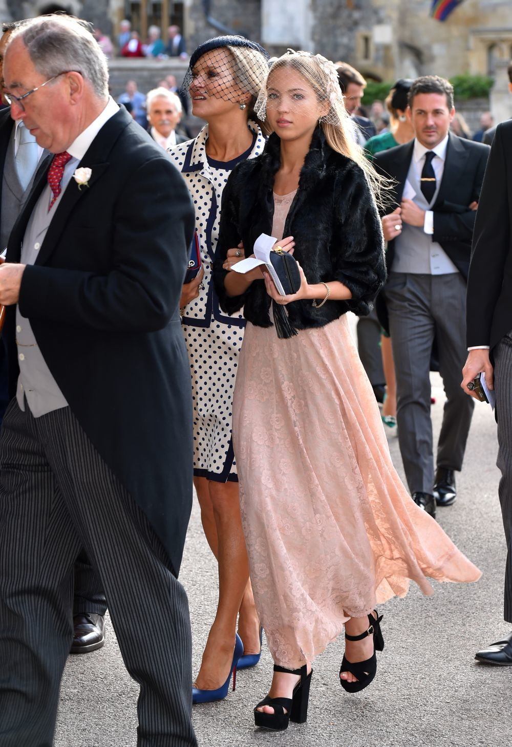 Kate Moss y su hija Lila Moss en la boda de Eugenia de York.