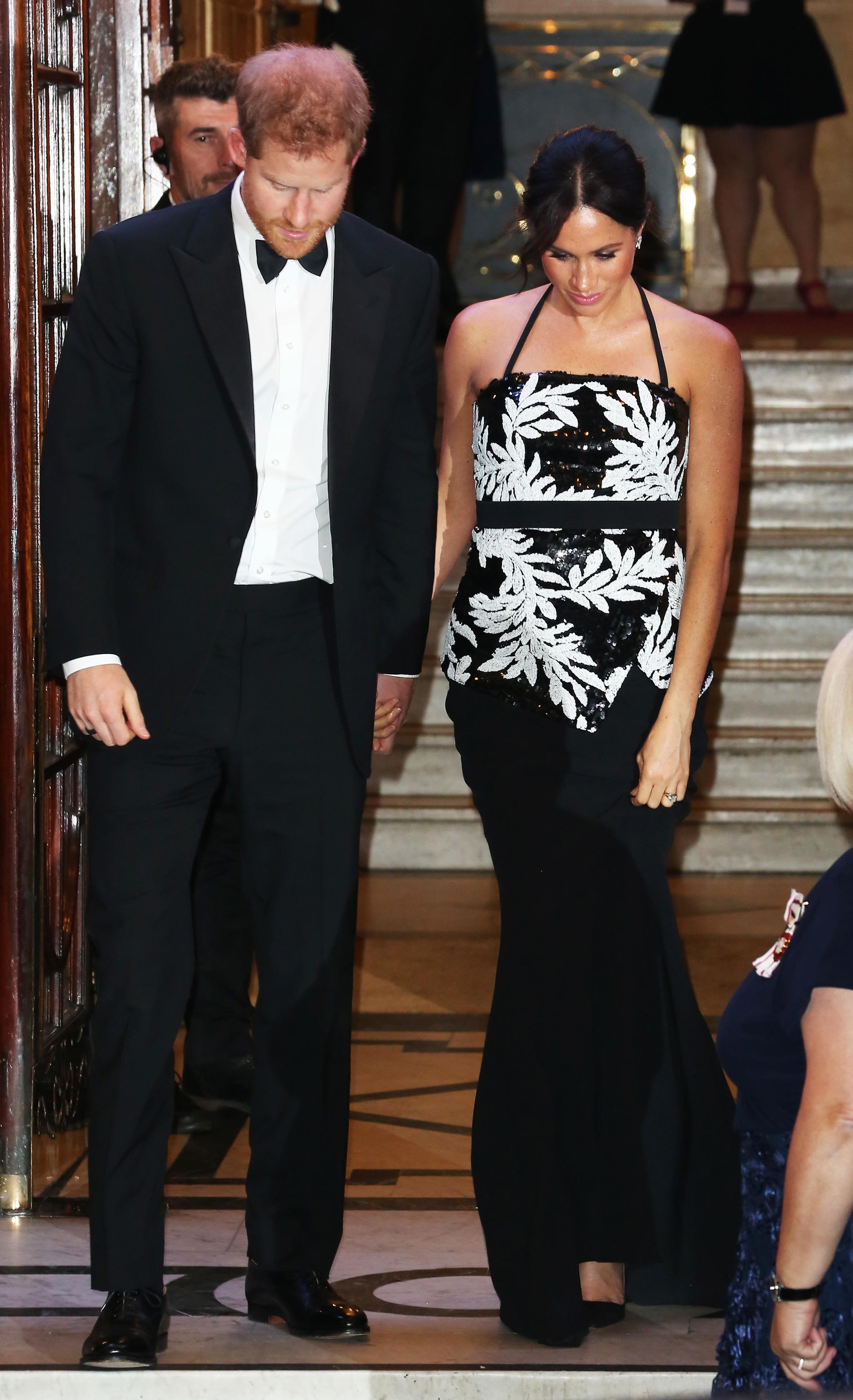 Meghan Markle y el príncipe Harry en el Royal Variety Perfomance.