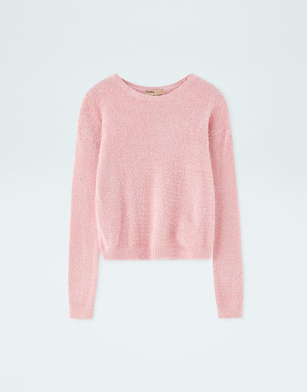Jersey de pelo estilo cropped en color rosa, de Pull&Bear (17,99...
