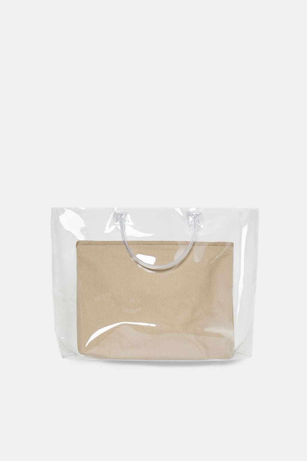 Bolso transparente, de Zara 25,95 euros.