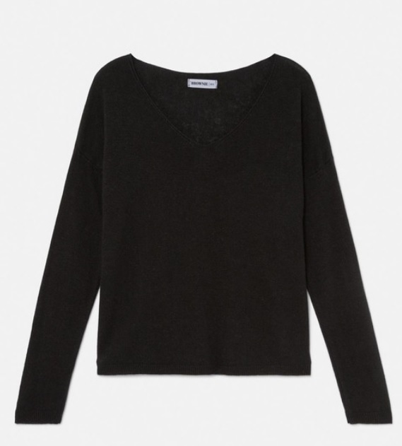 Jersey de mujer con cuello pico en negro, de Bronwie (31,92 euros).