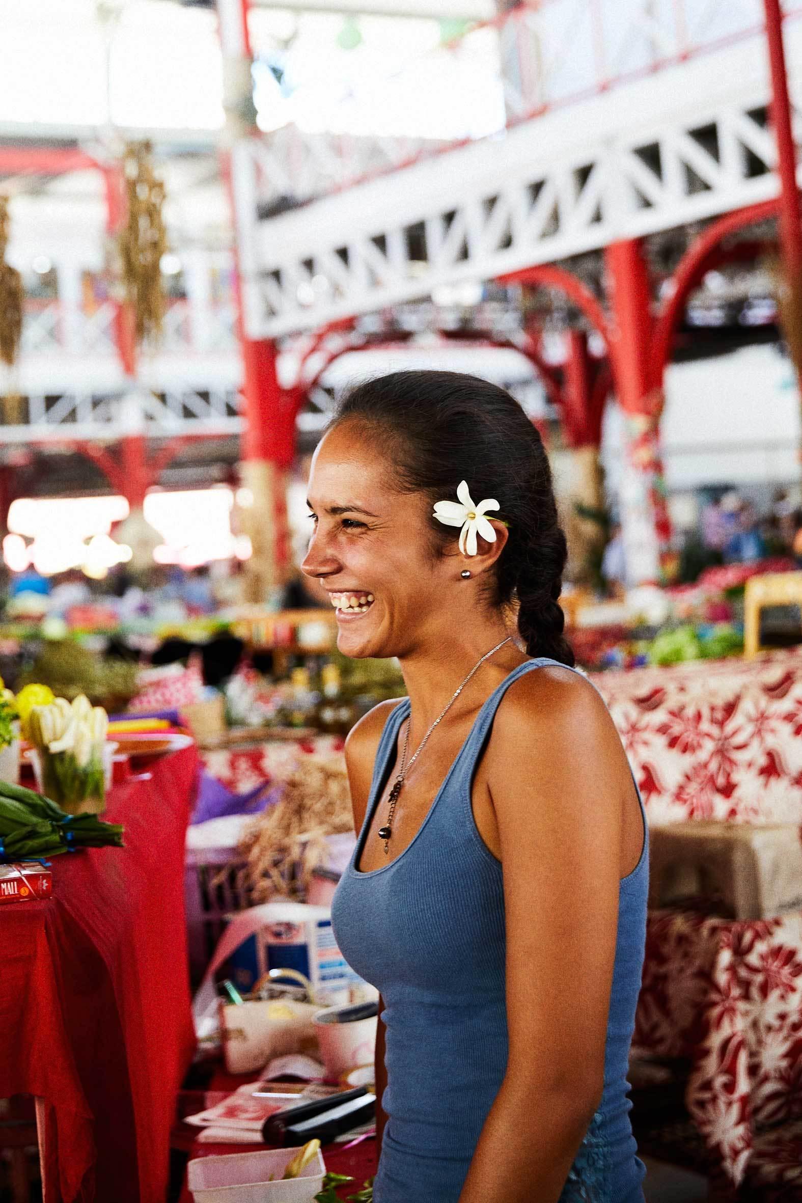 El mercado de Papeete está lleno de vida e historias.
