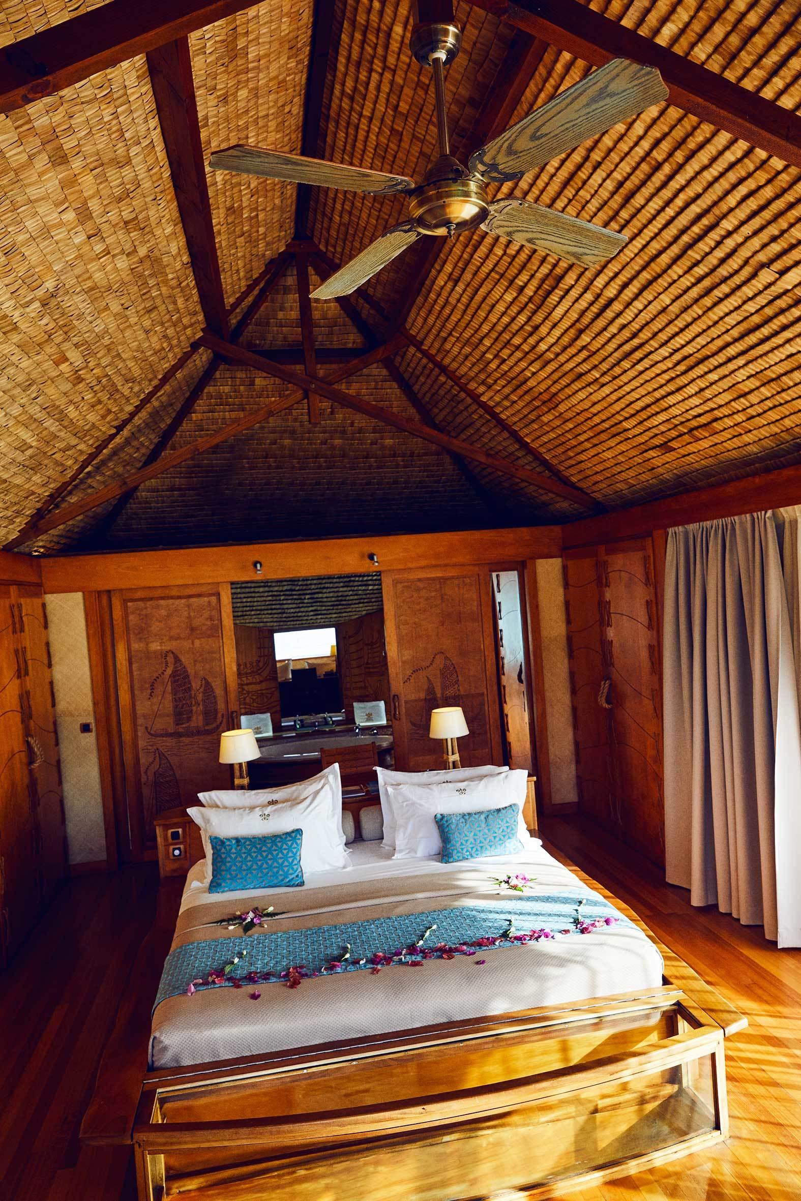 Interior de la cabaña en Le Taha'a Isalnd Resort & Spa