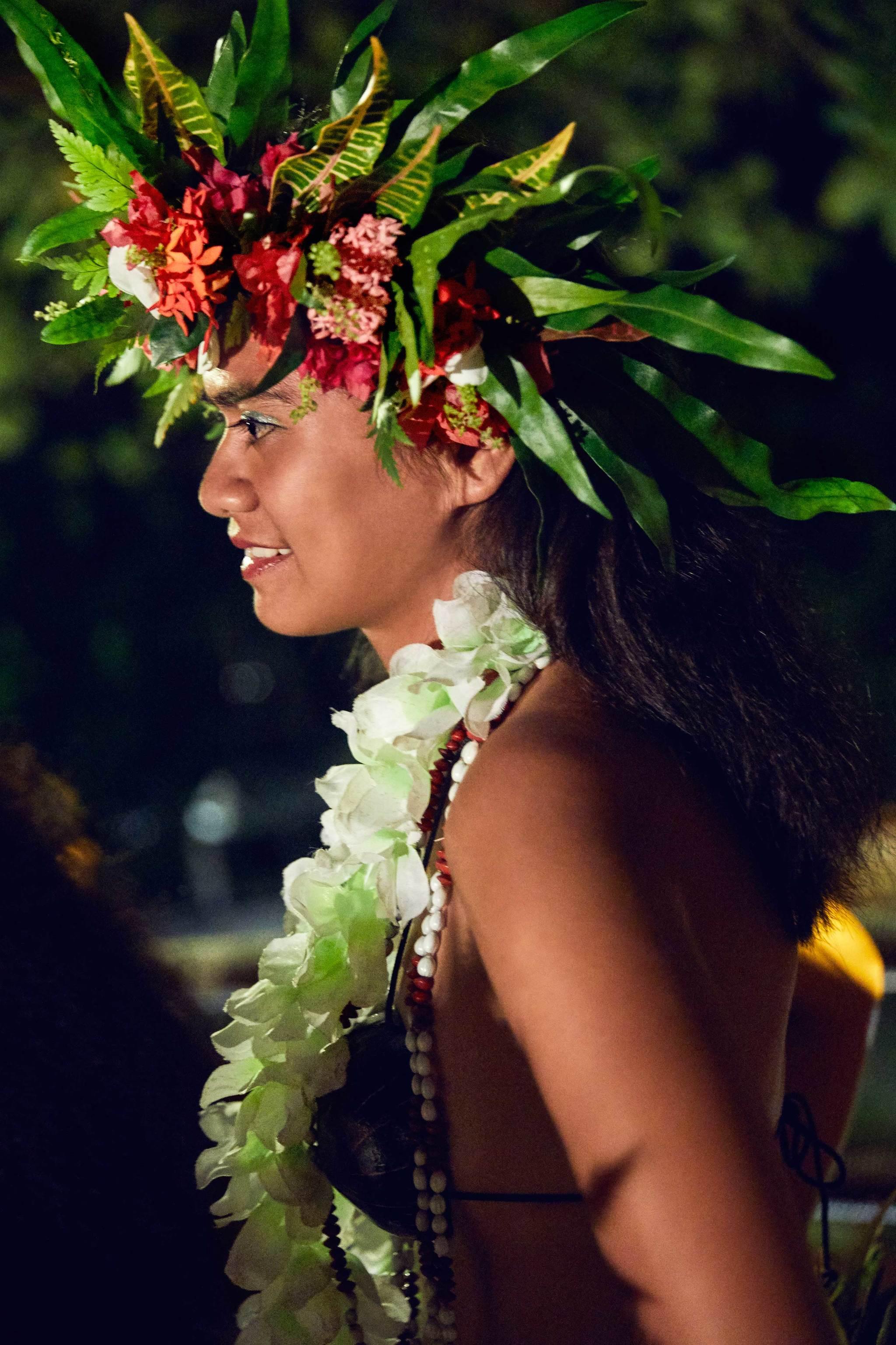 El día terminó observando una danza tradicional de Tahití.