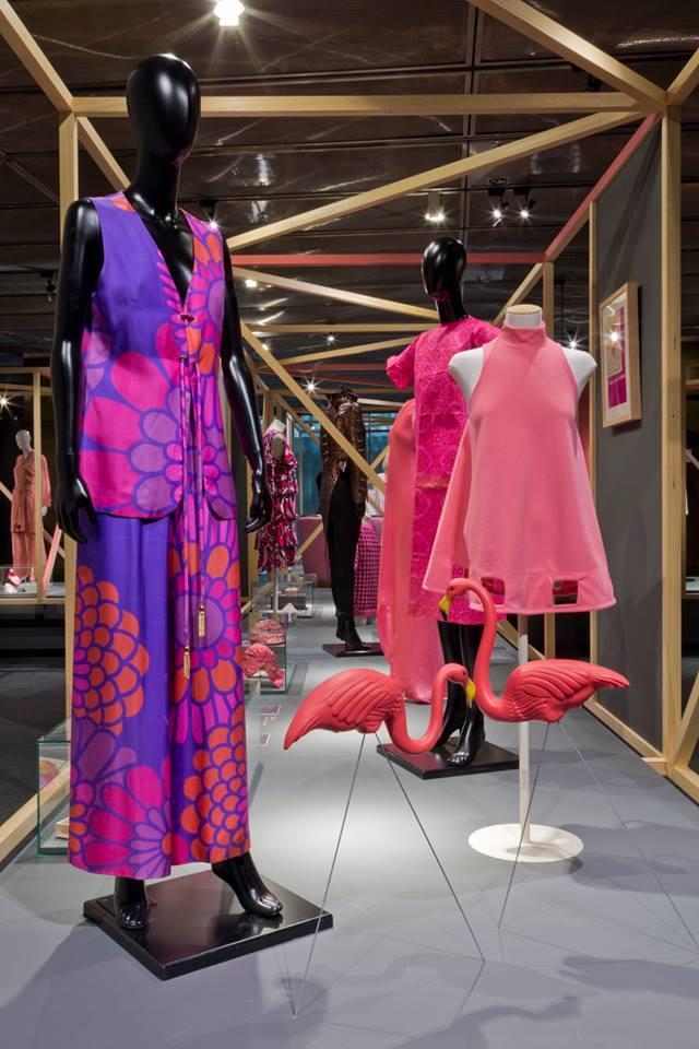 """Pink Flamingos"", 2010-2018. Donald Featherstone sobre diseño de..."