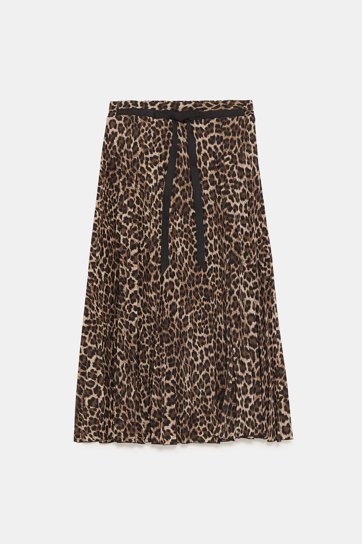 Falda de Zara (23,96 euros).