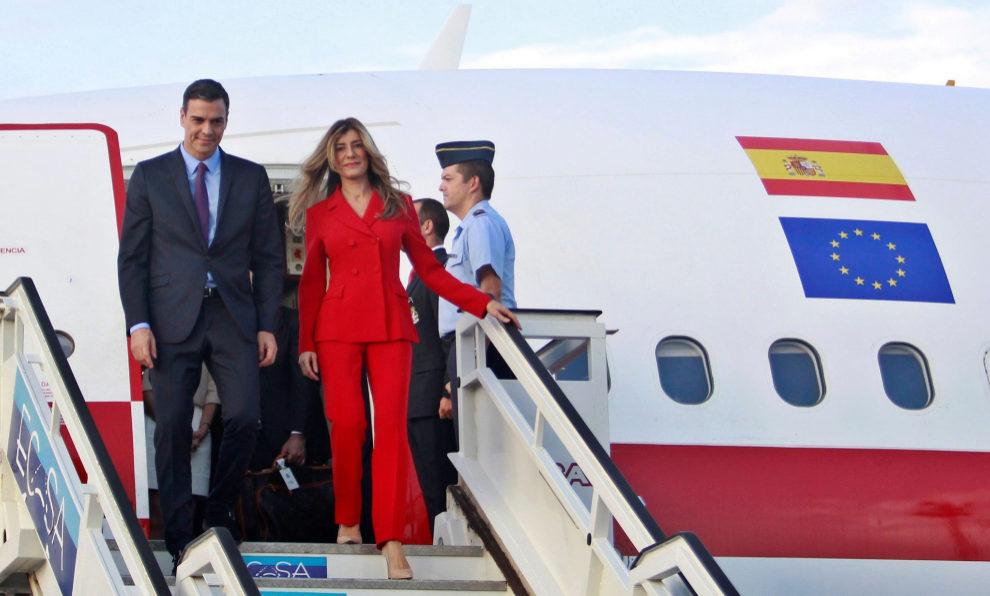 Pedro Sánchez, acompañado de su mujer Begoña Gómez, a su llegada a...